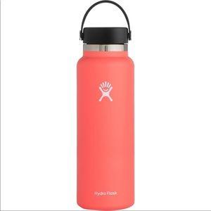 HYDRO FLASK 40 OZ TempShield Wide Mouth Cap Bottle